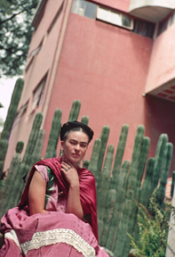 Frida in Front of the Cactus Fence, San Ángel, 1938 Nickolas Muray  © Nickolas Muray Photo Archive